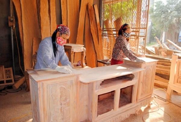 Cách pha sơn cửa gỗ